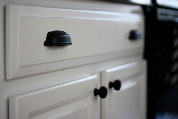 Kitchen- bin pulls and knobs - Two Delighted