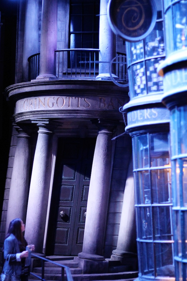 Harry Potter Diagon Alley gringotts | Two Delighted