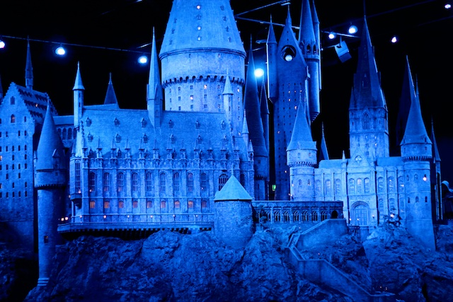 Harry Potter hogwarts | Two Delighted