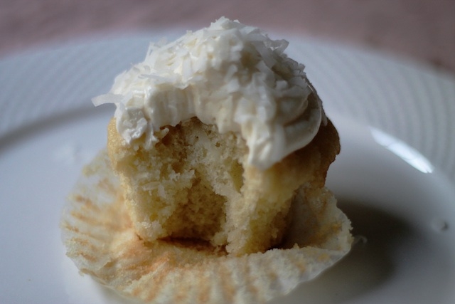 Coconut Cupcake bite|Two Delightedblog