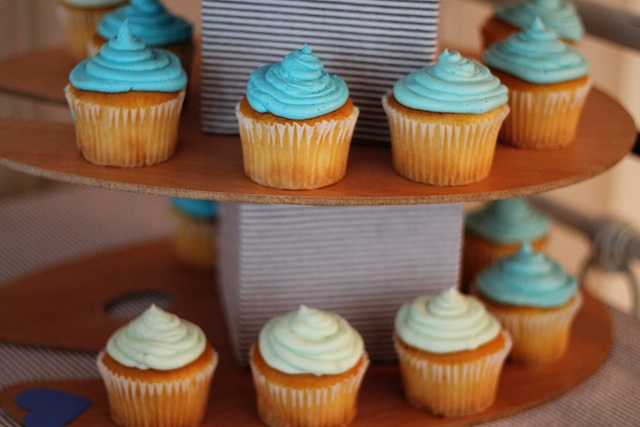 LRT Gender Reveal cupcakes 2 | Two Delighted