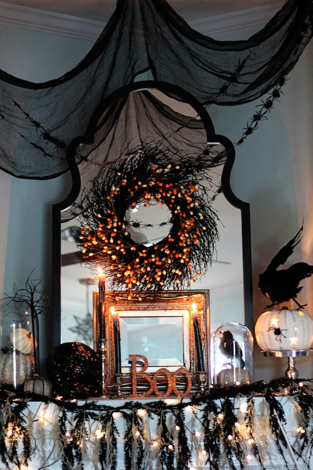 Halloween 2013 mantle | Two Delighted