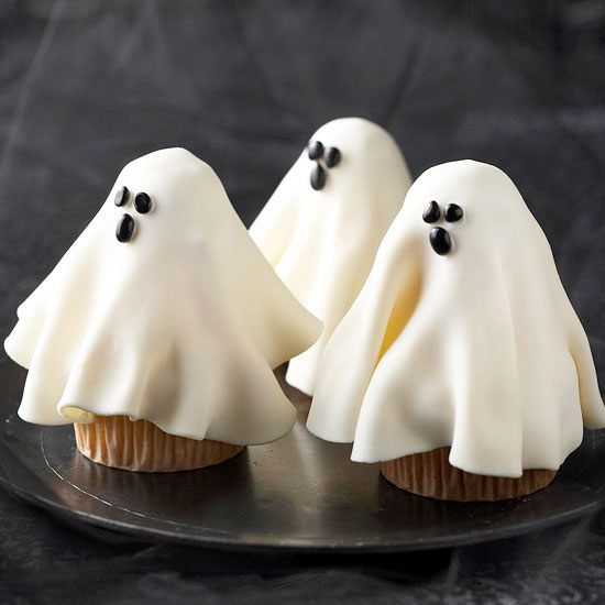 Halloween goodies ghost cupcakes