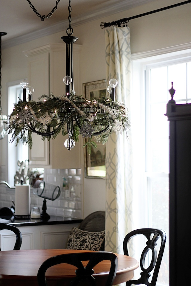 Greenery chandelier 1 | Two Delighted